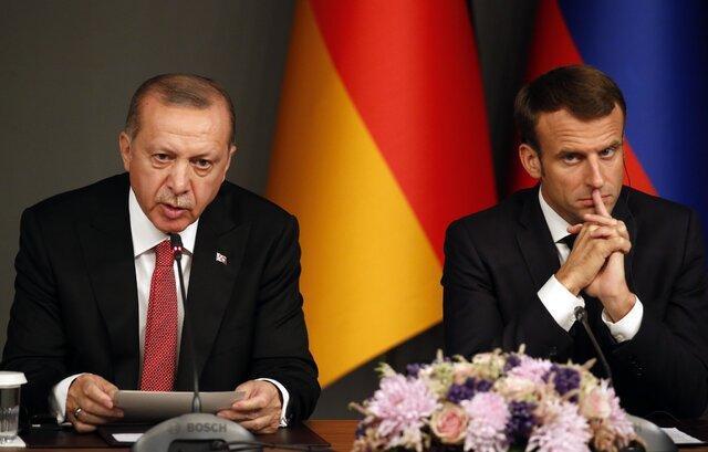 ماکرون، عهدشکنی ترکیه را به باد انتقاد گرفت