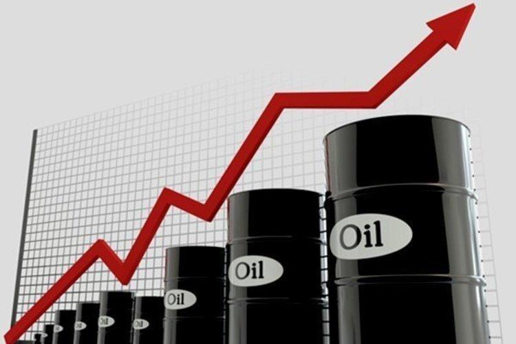 نفت یک دلار بالا رفت