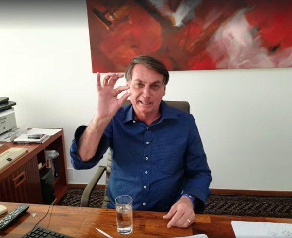 شکایت انجمن روزنامه نگاران از رییس جمهوری کرونایی برزیل
