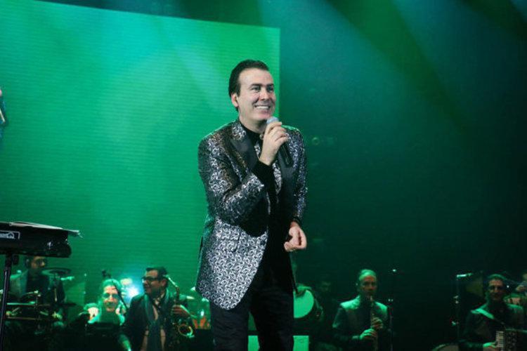رحیم شهریاری، خواننده محبوب آذری در آستانه ثبت رکورد گینس