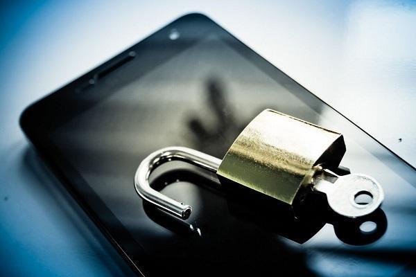 با این 7 شیوه تلفن اندرویدی خود را ایمن کنید