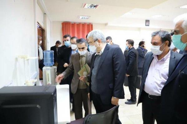 معاون رئیس جمهور از چند مرکز علمی و تحقیقاتی لرستان بازدید کرد